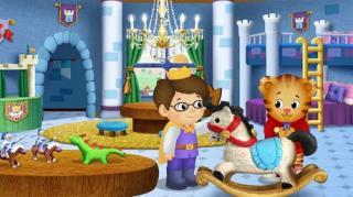 Daniel Tiger's Neighbourhood - Season 1, Episode 12 (Daniel Plays At The Castle)